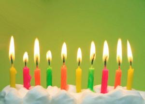 http://www.google.com/imgres?hl=en&tbo=d&biw=1366&bih=638&tbm=isch&tbnid=2xW2ErTk2HIAkM:&imgrefurl=http://www.bertoandkwala.com/2012/09/happy-birthday-mama.html&docid=8aVso3_p4SsCxM&imgurl=http://3.bp.blogspot.com/-_gVtY0FOYtE/UF5h_DKBR4I/AAAAAAAADfs/DNgWlJhM1a0/s1600/birthday-candles.jpg&w=640&h=461&ei=pj8dUdTqBIe68ATmv4CICQ&zoom=1&ved=1t:3588,r:8,s:0,i:132&iact=rc&dur=604&sig=107410980003096801319&page=1&tbnh=190&tbnw=265&start=0&ndsp=16&tx=51&ty=14